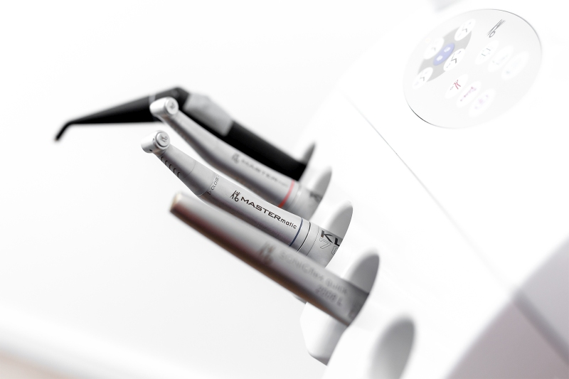 Instrumente für zahnärztliche Chirurgie